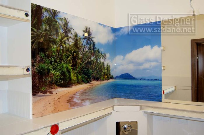 panele szklane w łazience palmy